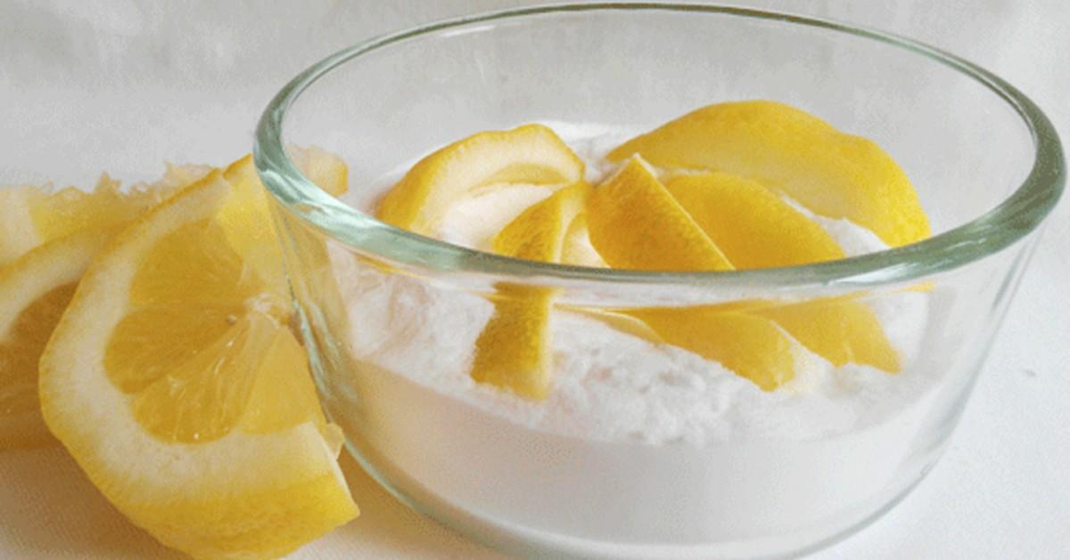 Tas nav joks!!! Pusīte citrona, kas iemērkta cepamajā pulverī. Tas ir neticami, ko tas var izdarīt ar jūsu ķermeni vien piecu minūšu laikā!