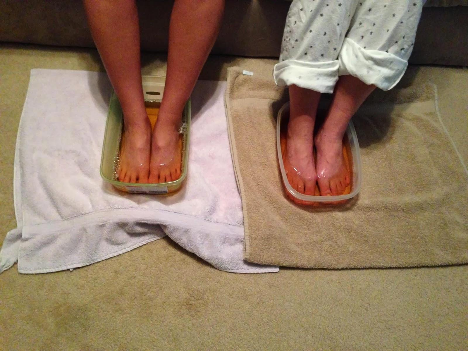 Atbrīvojiet savu ķermeni no toksīniem un slimībām, vienkārši iemērcot kājas šajā šķīdumā uz 20 minūtēm!