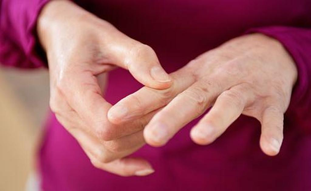 Japāņi noņem jebkāda veida sāpes 5 minūšu laikā. Ir tikai jāzina, ar kuriem diviem orgāniem ir saistīts katrs pirksts!
