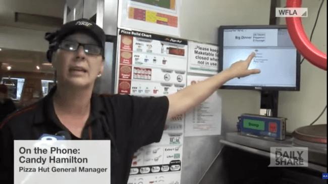 Apķērīga mamma ar picas pasūtījumu spēja nodot ziņu, ka viņai nepieciešama palīdzība