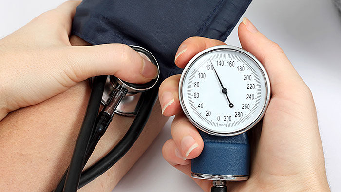 10 veselīgi produkti, kurus vajadzētu lietot augsta asinsspiediena gadījumā