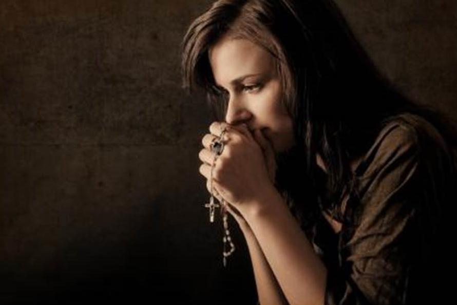 Stiprākie vārdi, kas tevi pasargās no paša spēcīgākā ļaunuma