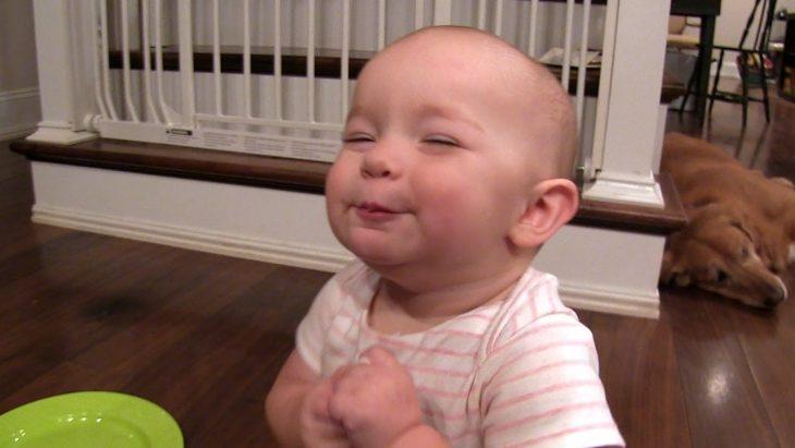 Dvīņi nočiepa zefīru no skapja. Tas, ko viņi izdarīja pēc tam, liks jums plati smaidīt!