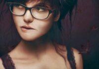 8 iemesli, kāpēc mums visiem ir tik viegli iemīlēties sievietē – Dvīnī