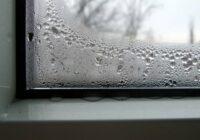 Kā cīnīties ar kondensāta veidošanos uz logiem