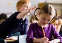 Kā reaģēt, ja svešs bērns slikti uzvedas: 5 stratēģijas
