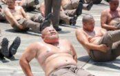 Taizemē apaļus policistus nosūtīja uz nometni – nodzīt lieko svaru. Laiks sevi savest formā!