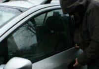 """Jauns mašīnu zagšanas veids: zagšanas gadījumu ir arvien vairāk un vairāk, bet aizsargāties ir iespējams. Lūk, kas zināms par jauno """"shēmu""""."""