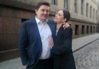Artuss Kaimiņš un Dārta Daneviča Ziemassvētku vakarā atklāj, ka gaida mazuli